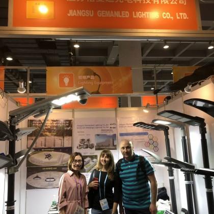 Переводчик Ольга на выставке China Import and Export Fair